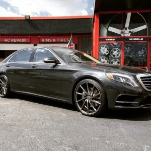 "Miami Dolphins Charles Clay's 2015 Mercedes S550 on 22"" Vossen Gloss Graphite CVT's"