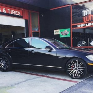 "S550 on 22"" Arvano wheels"